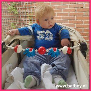 kindje, baby, 5 maand, ontwikkeling, batboy, zitten, belasten, ondersteuning, je kindje 5 maand, stevig nekje