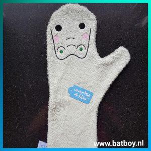 baby shower glove, krokodil, invented 4 kids, douchen, baby, glibberig, handschoen