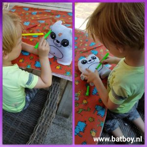 doodle buddy, action, batboy, stiften, kleuren, buiten