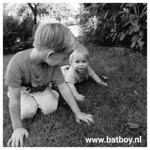 baby, baby 7 maand, 7 maand, kruipen, stimuleren, batboy, baby kruipoen
