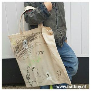 aardappel, stempel, tas, boekentas, boeken, batboy, diy, halloween, knutselen, stempelen, aardappel
