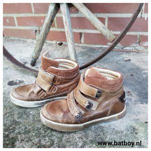 scapino, lederen schoenen, schoenen, kinder schoenen, batboy, voeten, kinder voetjes, contrefort, hielstuk,