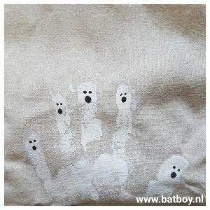 vingers, hand, batboy, diy, schooltas, boeken, halloween, knutselen, verfen, verf