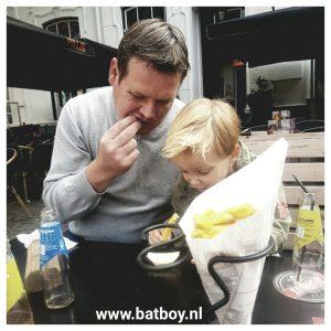 patat, batboy, kinderen, mamablog, blogger, station, primark, eten, kinderen