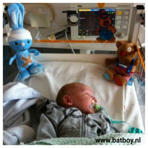 babay, 3 weken, maagaandoening, pylorushypertrofie, batboy, maag, darmen