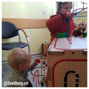 dokter, kinderarts, batboy, oor, oren, oorontsteking, middenoorontsteking, kinderen