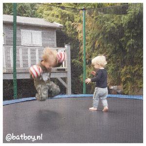 batboy, trampoline voor kinderen, mamablog, jongens