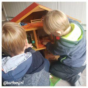 batboy, mamablog, een poppenhuis voor jongens