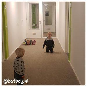 feestje in een appartement, mamablog, batboy