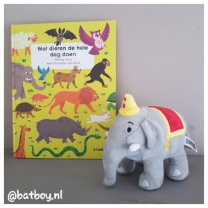 mamablog, batboy, boek wat dieren de hele dag doen, wat dieren de hele dag doen