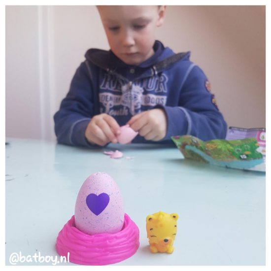 hatchimals colleggtibles, mamablog, batboy