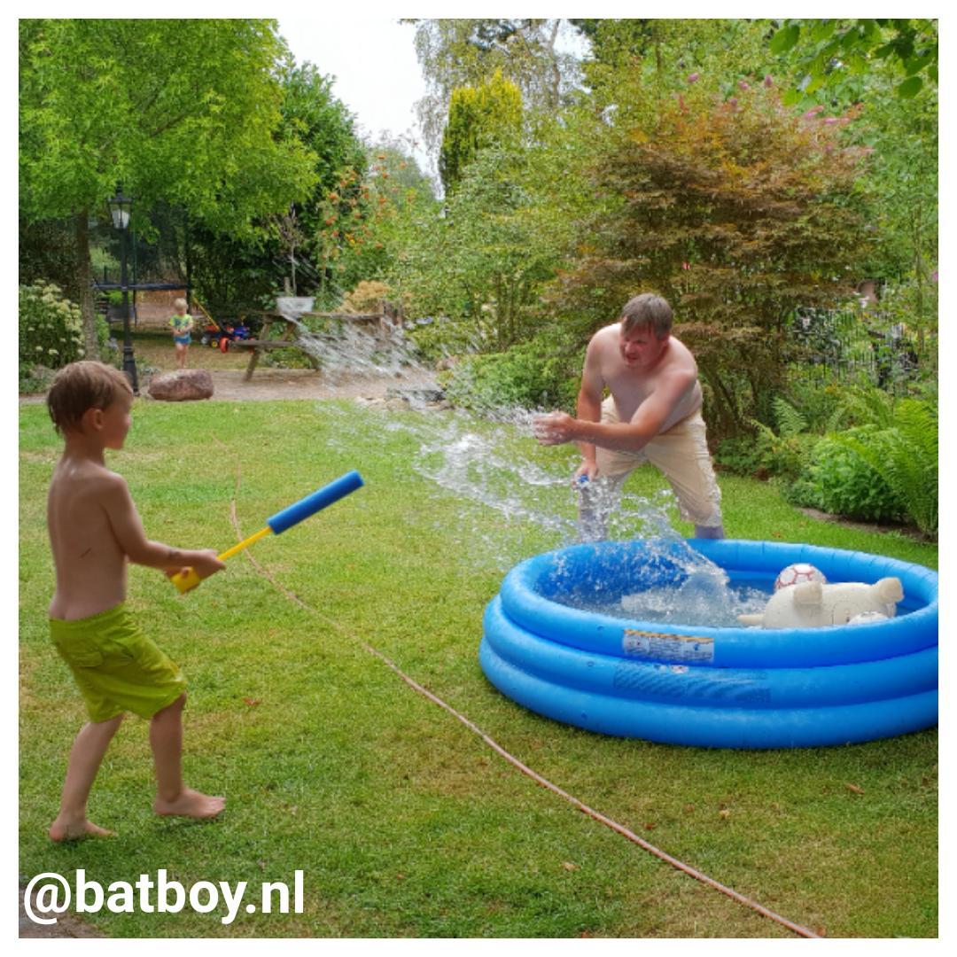 mamablog, pomp, batboy, opblaaszwembad action