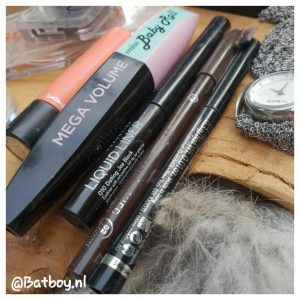 mamablog, batboy, make-up