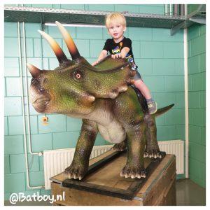 dino's, dinosaurus