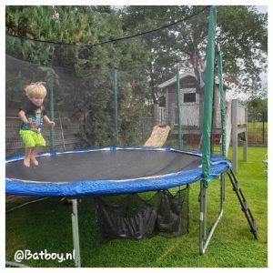 trampoline, schoenennet, buitenspeelgoed