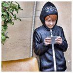 telefoonverslaving, kind, smartphone, eerste mobieltje